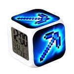 """Часы настольные пиксельные с подсветкой """"Алмазная кирка"""""""